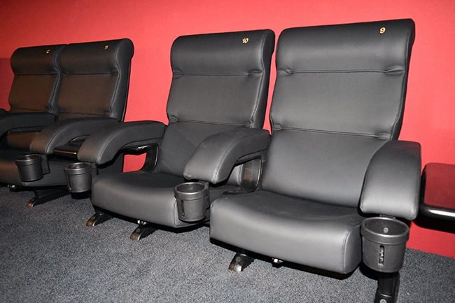 unsere sitzkategorien cineplex kassel. Black Bedroom Furniture Sets. Home Design Ideas